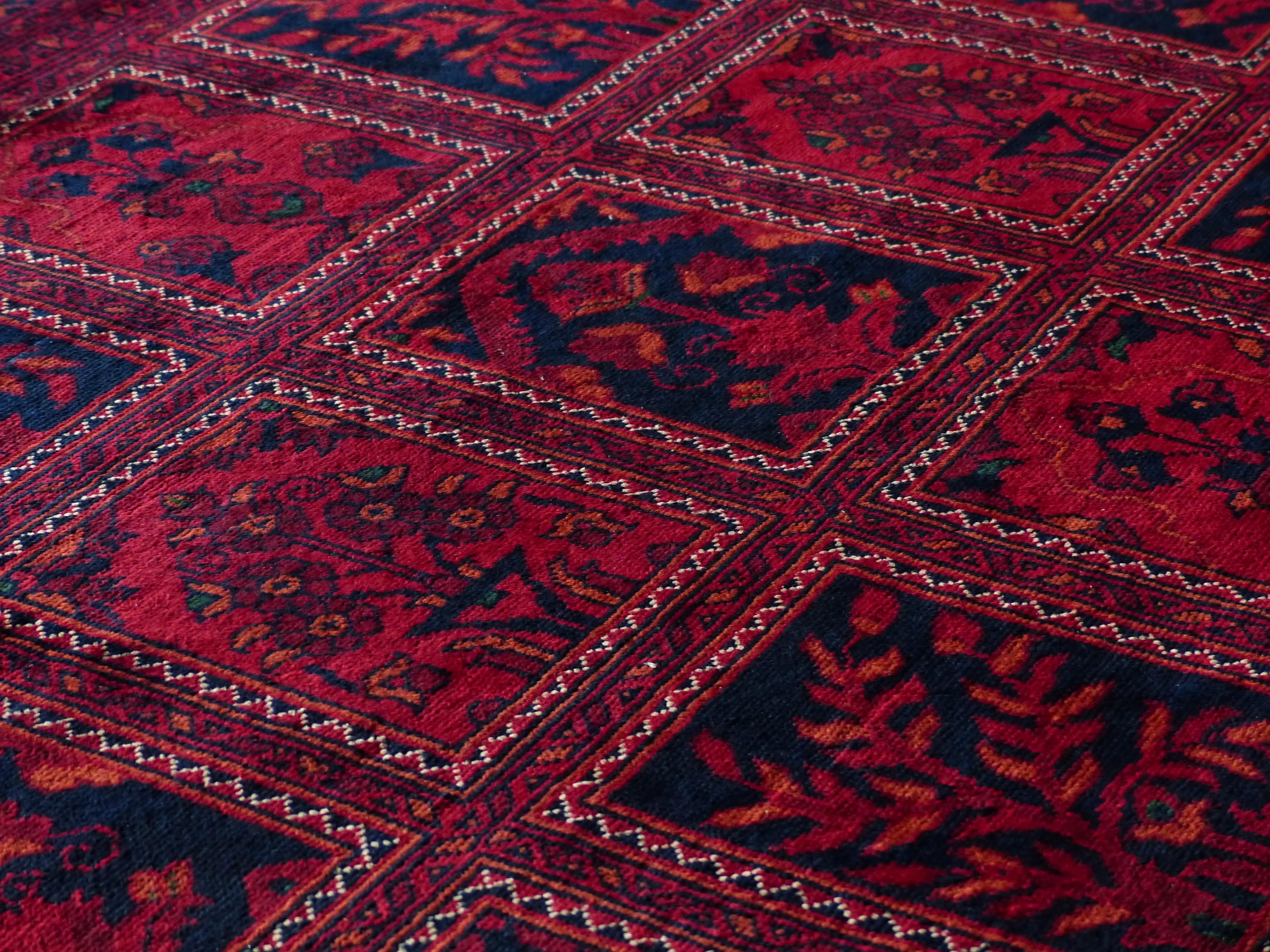 carpet_red_tyinkkkg-min.jpg